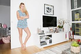 new apartment furniture. gigi hadid white walls apartment new furniture n