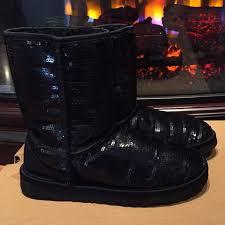 Black Classic Short SPARKLE UGGS Classic Short SPARKLES. Mint condition,  missing only 2-