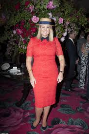 melbourne cup 2015 fashion fails include rachael finch ash in the red samantha armytage wore a karen gee custom coral lace and ink navy