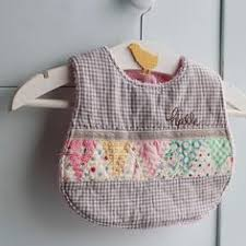 Cute, easy, and a great scrap project! Quilted Baby Bib Tutorial ... & Quilted Baby Bib Tutorial. Perfect for a baby shower gift. | Boutique ideas  | Pinterest | Bib tutorial, Quilt baby and… Adamdwight.com