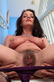 Mature hairy milf thumbs