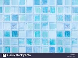 Blaue Fliesen Im Badezimmer Mit Wassertropfen Stockfoto Bild