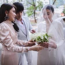 งานแต่ง แพง ขวัญข้าว โก้ วรนัยน์ ควงคู่เข้าโบสถ์ โรแมนติกอย่างกับในหนัง!