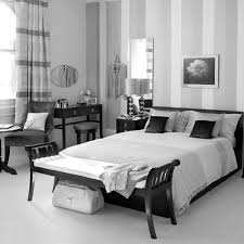 Scenic Black And White Striped Bedroom Set Quilt Design Red She ...
