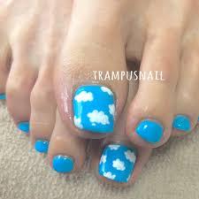 夏フットワンカラーミディアムブルー Trampusnailのネイルデザイン