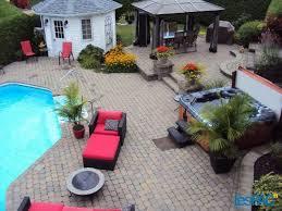 maison de prestige avec magnifique cour arrière piscine creusée et spas
