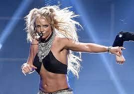 Britney Spears zingt live (met gemengde ...