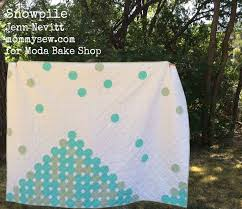 272 best Moda Free Patterns images on Pinterest | Crafts, Cushions ... & Snowpile quilt by Jenn Nevitt on Moda Bake Shop. Adamdwight.com