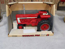 farmall diesel ertl 1995 international harvester farmall 706 tractor box 1 16 scale die cast