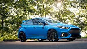 2017 Ford Focus RS Review & Ratings | Edmunds