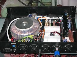 it was the old power supply on the rack case 1 the toroid transformer is 1200va the greatz on the heatshink is 10a softstart ilized power supply