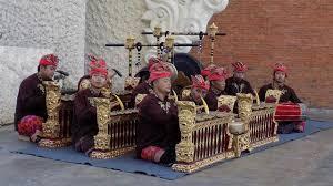 Seni musik tradisional merupakan salah satu jenis seni musik yang berkembang di indonesia. Fungsi Musik Tradisional Dan Jenis Alat Musik Dari Berbagai Daerah Di Indonesia Hot Liputan6 Com