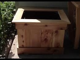 easy cedar picket planter boxes