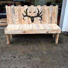 ... robust pallet bench with deer head patterned backrest