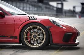 Porsche 911 gt3 rs modeli'nin teknik özellikleri ve tasarım detaylarını inceleyebilirsiniz. 911 Gt3 Rs Guards Red Porsche 911 Gt3 Rs