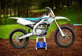 2018 suzuki dirt bikes. simple dirt 2018 yamaha yz450f completely redesigned with smartphone tuning with suzuki dirt bikes
