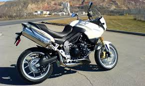 triumph tiger 1050 motorcycle review