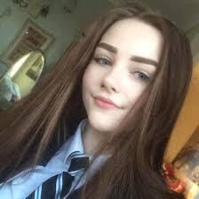 Cute brunette teen mar