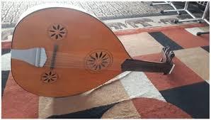 Kali ini saya akan membahas mengenai pengertian alat musik melodis, jenis jenis alat musik melodis, dan contoh alat musik melodis yang dimainkan dengan cara dipetik adalah gitar, kecapi, mandolin, dan sasando. 16 Contoh Alat Musik Petik Tambah Pinter