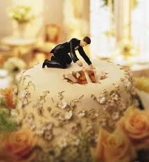 16 Hilariously Creative Wedding Cake Toppers 6 Is The Story Of