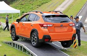 2018 subaru crosstrek orange. beautiful orange testing the offroad capabilities of 2018 subaru crosstrek to subaru crosstrek orange s