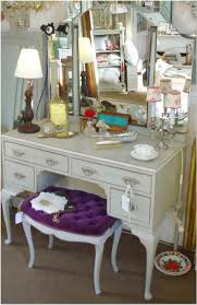 decorative items for dressing table rooms tables how to make from pallets diy corner small makeup