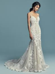 Beaded Designer Wedding Gowns Spaghetti Strap Plunging Sweetheart Neckline Beaded Lace Fit
