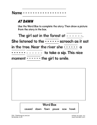 On this worksheet, kids get phonics practice as they look at each picture, then circle the letter that makes the same beginning sound. Diphthongs Au And Aw Free Phonics Worksheet Phonics Worksheets Phonics Worksheets Free Diphthongs