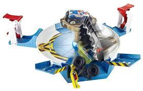 Трек <b>Hot Wheels</b> Monster Trucks Столкновение с механической ...