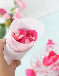 How To Make Paper Cones For Flower Petals Petal Confetti Paper Cones For Weddings Diy Tutorial Polka Dot Bride