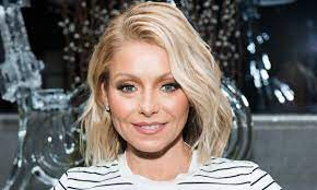 Kelly Ripa thrills fans in gorgeous ...