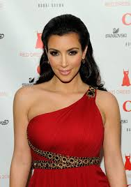 kim kardashian pink lipstick and red dress