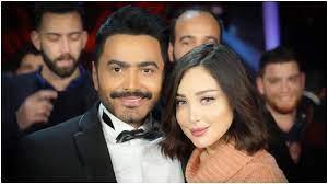 """زوجة تامر حسني """"بسمة بوسيل"""" تتعرض للتنمُر من قِبل إعلامية كويتية: فلوس  زوجها غيرت وبدلت"""