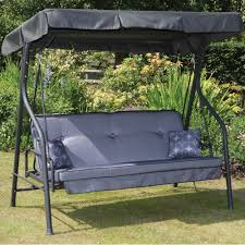 DIY:Elegant Outdoor DIY Canopy Idea Adorable Canopy Swinging Bed Design  With Gray Tufted Back