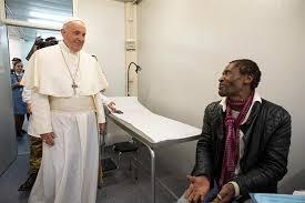 """Resultado de imagen para El papa Francisco almuerza con 1.500 personas necesitadas y pide escuchar """"el grito de los pobres"""""""