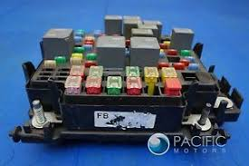 engine fuse relay power junction box 15201930 oem hummer h2 2003 image is loading engine fuse relay power junction box 15201930 oem