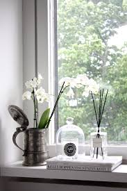 Decorative Windows For Bathrooms Makuuhuoneen Ikkunalaudalla Homevialaura White Orchids Window