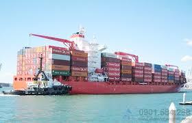 vận chuyển hàng hóa bằng đường thủy