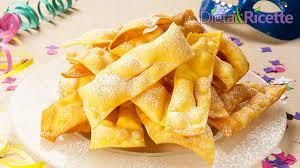 Chiacchiere di Carnevale - Ricetta Chiacchiere fritte originale