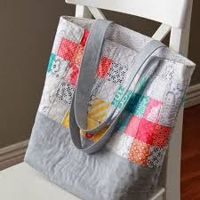 Best 25+ Quilted tote bags ideas on Pinterest | Tote bags, DIY ... & A Bright Corner: Scrappy Quilted Tote Bag updated link to tutorial: http:/ Adamdwight.com