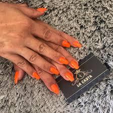 Lacastanails Instagram Post Photo Neonová Oranžová Na Léto