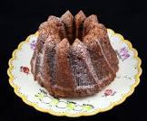 banana sour cream crunch cake