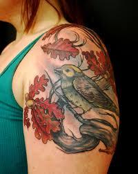 тату на плече девушки листья и птица фото рисунки эскизы