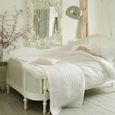 Delightful French Country Bedroom Design Ideas 7
