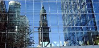 Michaelis, auch bekannt als der michel, ist eine der schönsten barockkirchen. St Michaelis Kirche In Hamburg Erleben Hamburg Hafenrundfahrt