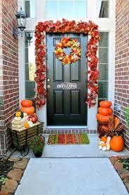 front door decoration30 Cozy Thanksgiving Front Door Dcor Ideas  DigsDigs