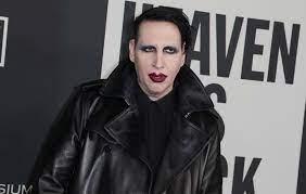 Marilyn Manson turns himself into ...