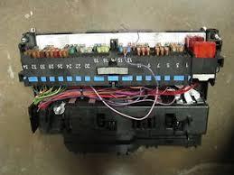 bmw 325i 328i e46 fuse box 1999 00 01 02 03 04 2005 8387153 ebay e36 fuse box diagram image is loading bmw 325i 328i e46 fuse box 1999 00