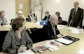 Контрольно ревизионная комиссия Ветеран Санкт Петербурга Председатель комиссии планирует и организует работу членов комиссии контролирует качество и своевременность проводимых проверок и ревизий