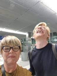The perfect castiel domhnallgleeson smile animated gif for your conversation. My Mom Met Domhnall Gleeson And Made Him Laugh Pics